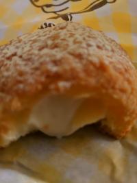 チーズシュークリーム